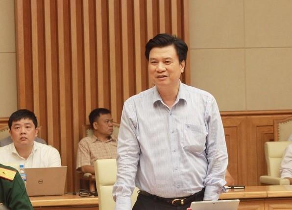 Thứ trưởng GD&ĐT Nguyễn Hữu Độ phát biểu tại cuộc họp (Ảnh: Thiên Bình)
