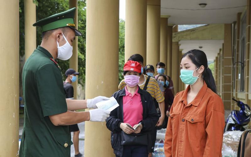 Công tác quản lý xuất nhập cảnh tại Cửa khẩu Quốc tế Tây Trang được tăng cường một cách chặt chẽ.