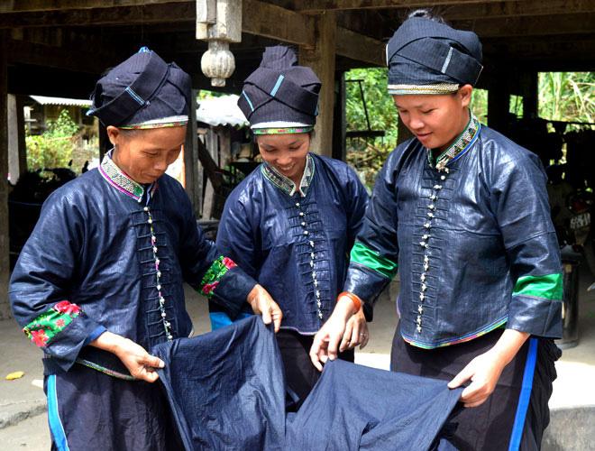 Người Nùng ở Tuyên Quang vẫn gìn giữ làn điệu dân ca đặc sắc của dân tộc. Ảnh: Hoàng Niềm