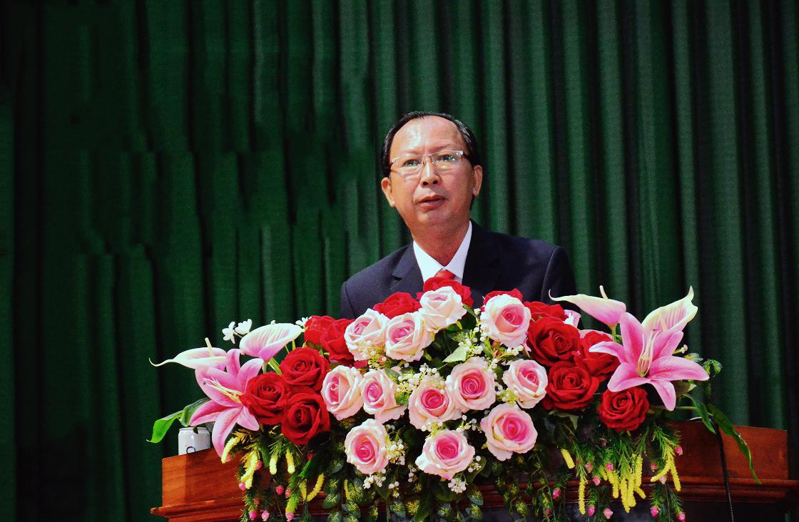 Ông Võ Thanh Quang, Bí thư Huyện ủy Huyện ủy Cù Lao Dung khóa XIII, nhiệm kỳ 2020 -2025 phát biểu tại Đại hội