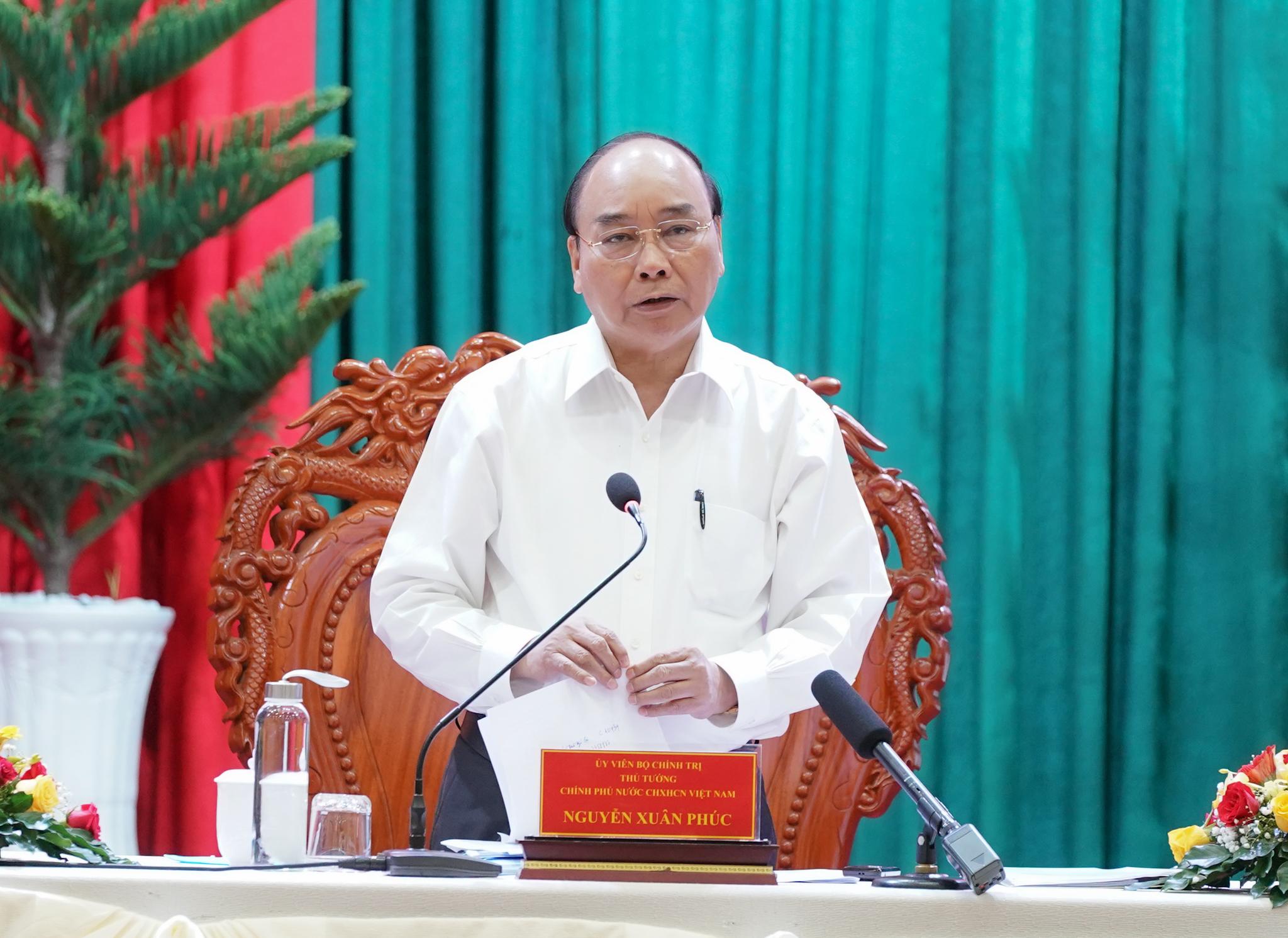Thủ tướng Nguyễn Xuân Phúc phát biểu tại cuộc làm việc. - Ảnh: VGP/Quang Hiếu
