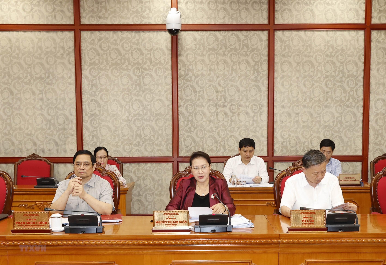 Chủ tịch Quốc hội Nguyễn Thị Kim Ngân chủ trì họp Bộ Chính trị với Ban Thường vụ Thành ủy Cần Thơ. Ảnh: TTXVN