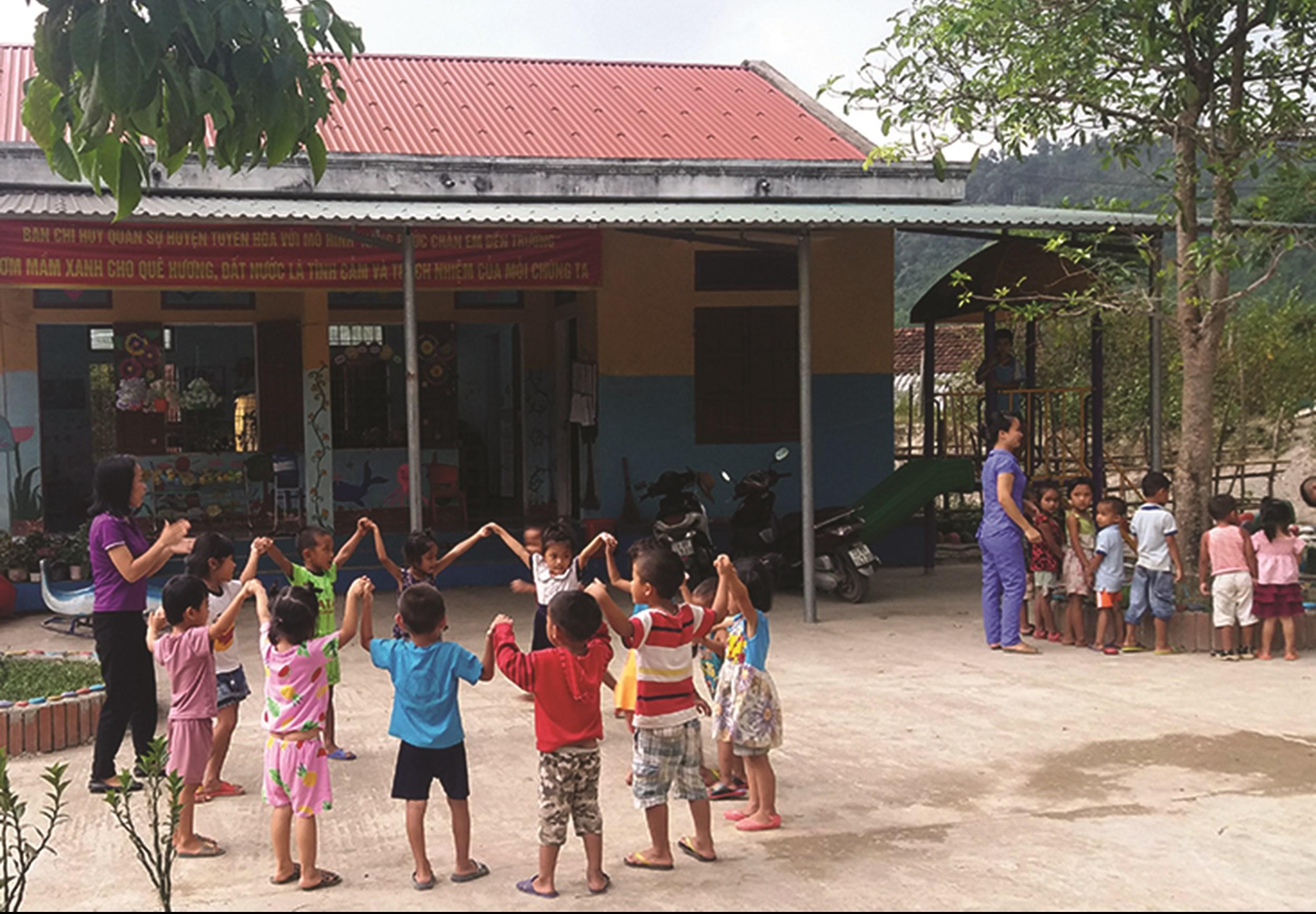 Lớp học mầm non của con em người Mã Liềng, bản Chuối, xã Lâm Hóa, huyện Tuyên Hóa. (Ảnh tư liệu)