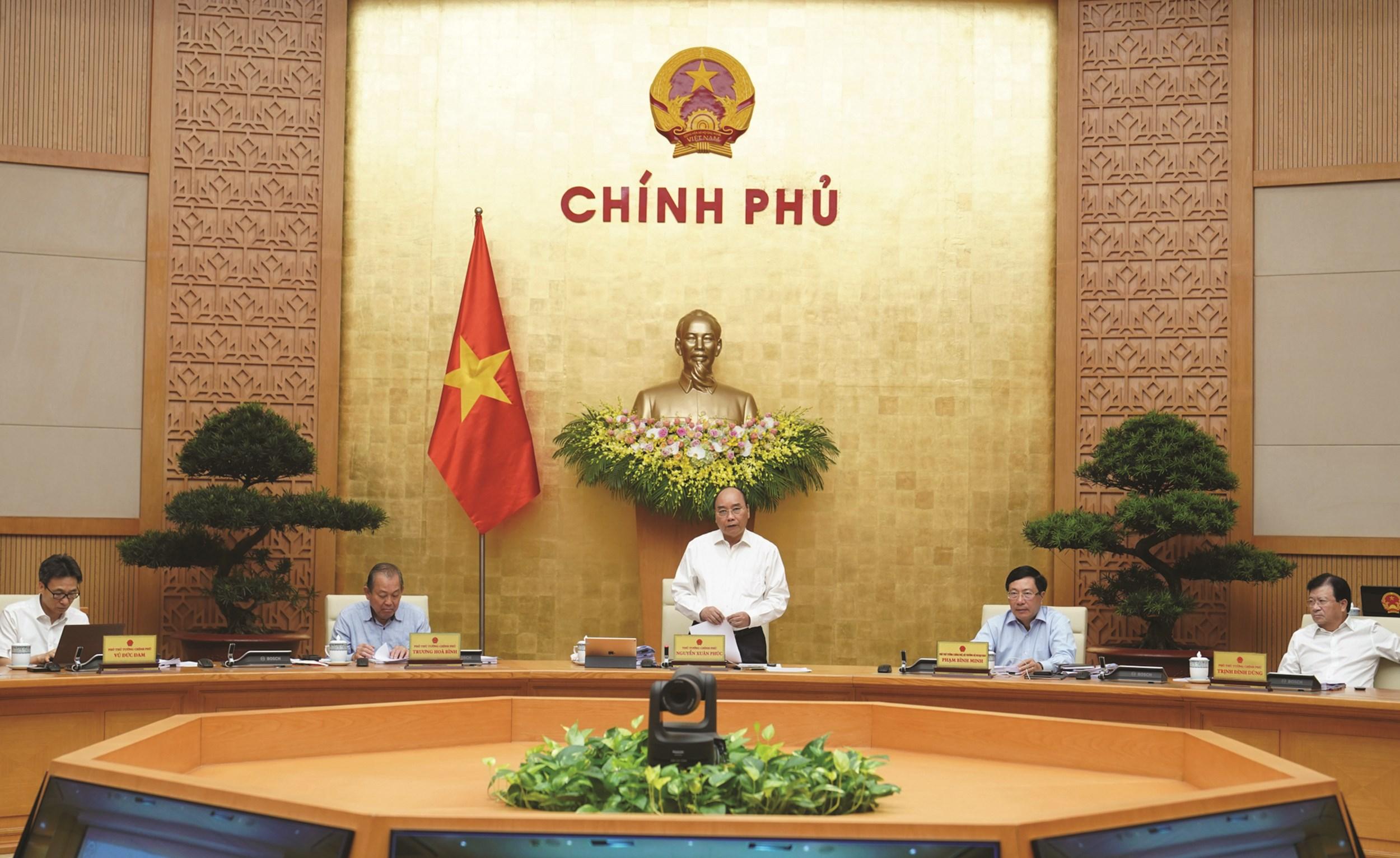 Thủ tướng Chính phủ Nguyễn Xuân Phúc chủ trì cuộc họp.