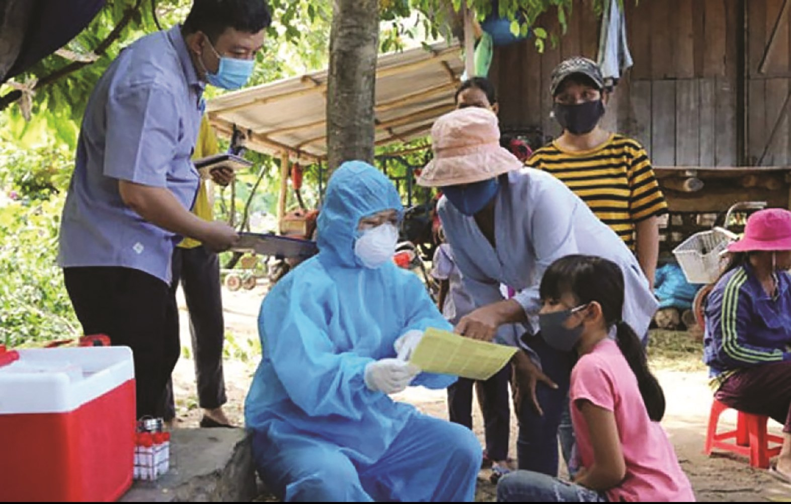 Ngành Y tế Phú Yên tổ chức tiêm văc xin và tuyên truyền phòng, chống bệnh bạch hầu tại các xã vùng sâu, vùng xa