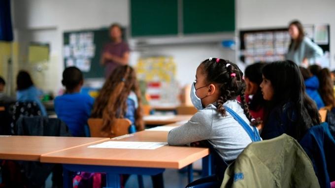 Đại dịch COVID-19 đã ảnh hưởng tới việc học tập của hơn 1 tỷ học sinh trên thế giới. (Ảnh: Reuters)