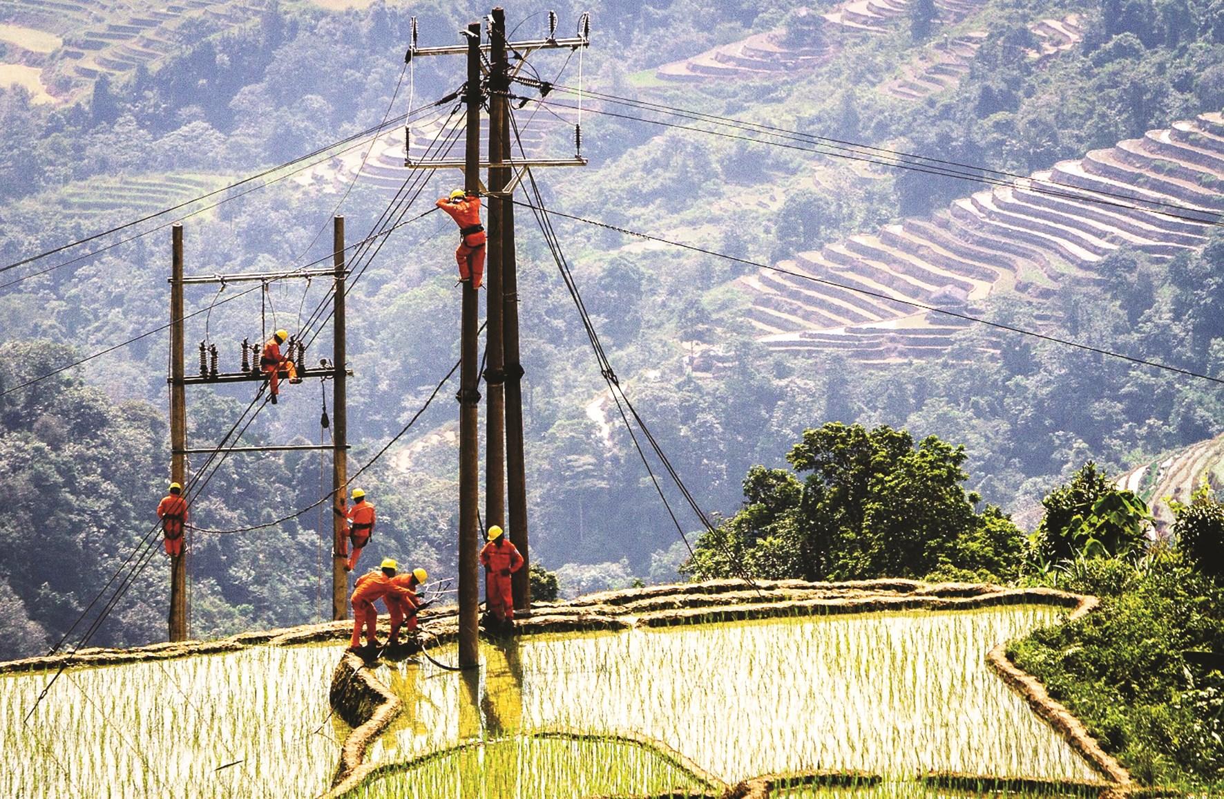 Đưa điện về vùng cao Hà Giang