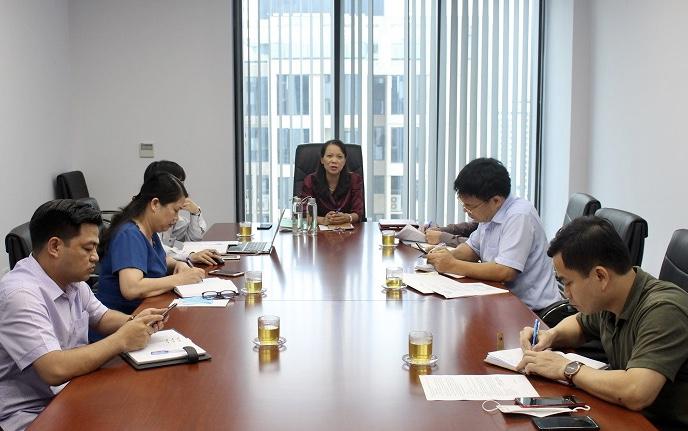 Thứ trưởng, Phó Chủ nhiệm UBDT Hoàng Thị Hạnh chủ trì buổi làm việc