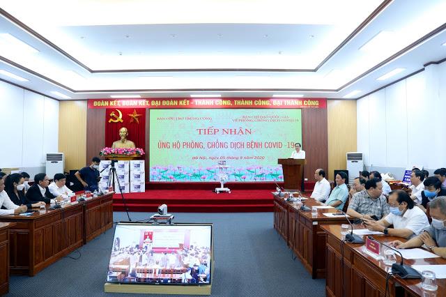 Toàn cảnh lễ tiếp nhận. Ảnh: VGP/Nguyễn Hoàng