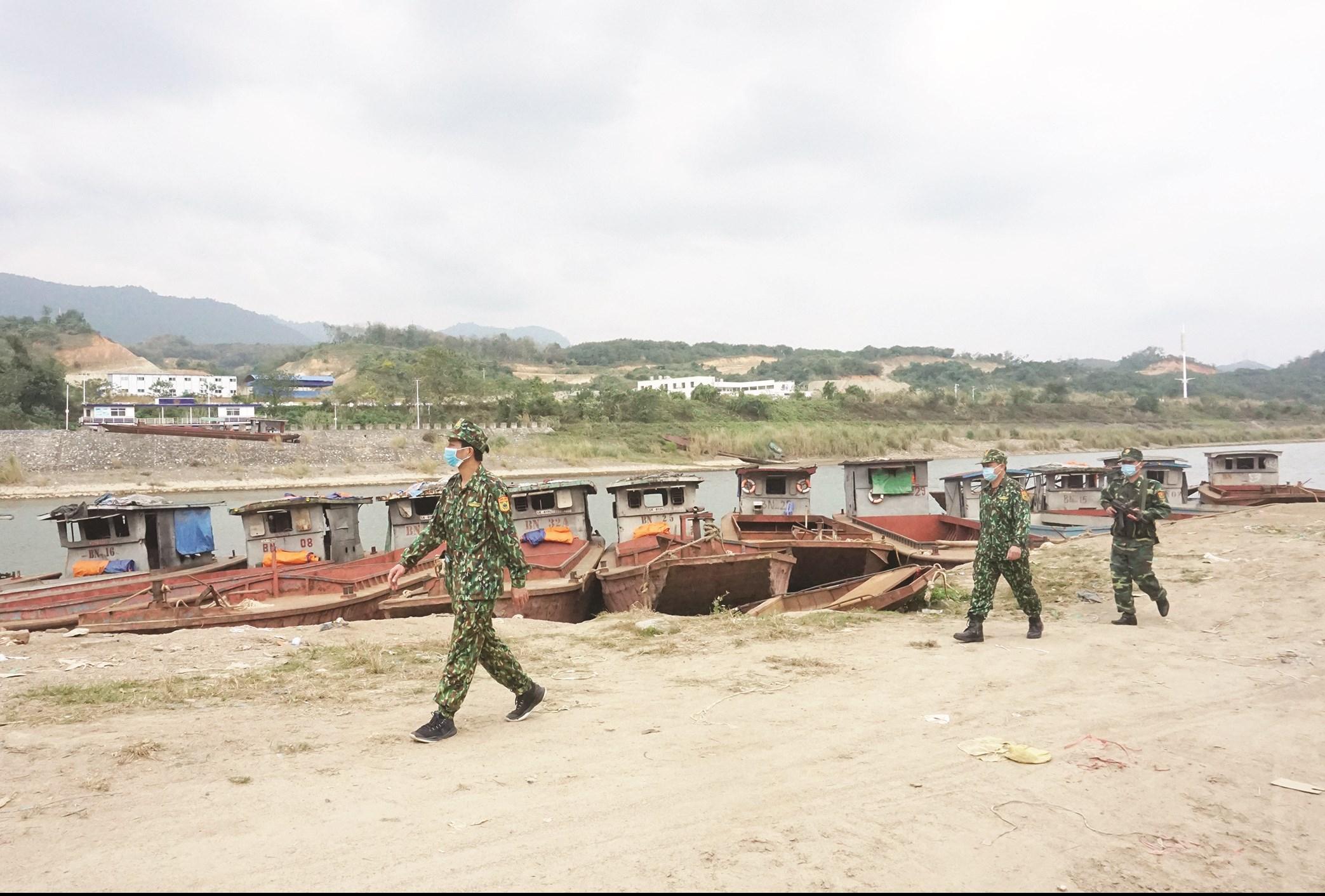 Các bộ, chiến sĩ ĐBP Bát Xát tăng cường tuần tra, kiểm soát trên tuyến biên giới