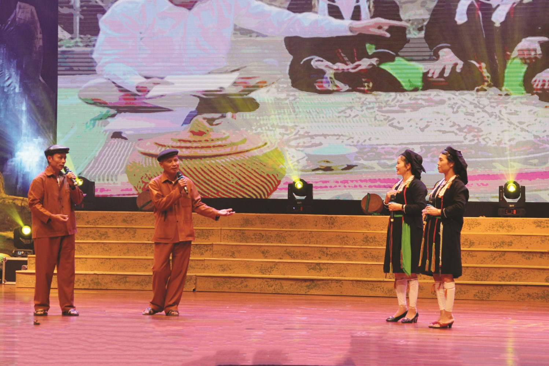Các nghệ nhân hát soọng cô tại Ngày hội Văn hóa, Thể thao và Du lịchcácdân tộc vùngĐông Bắc