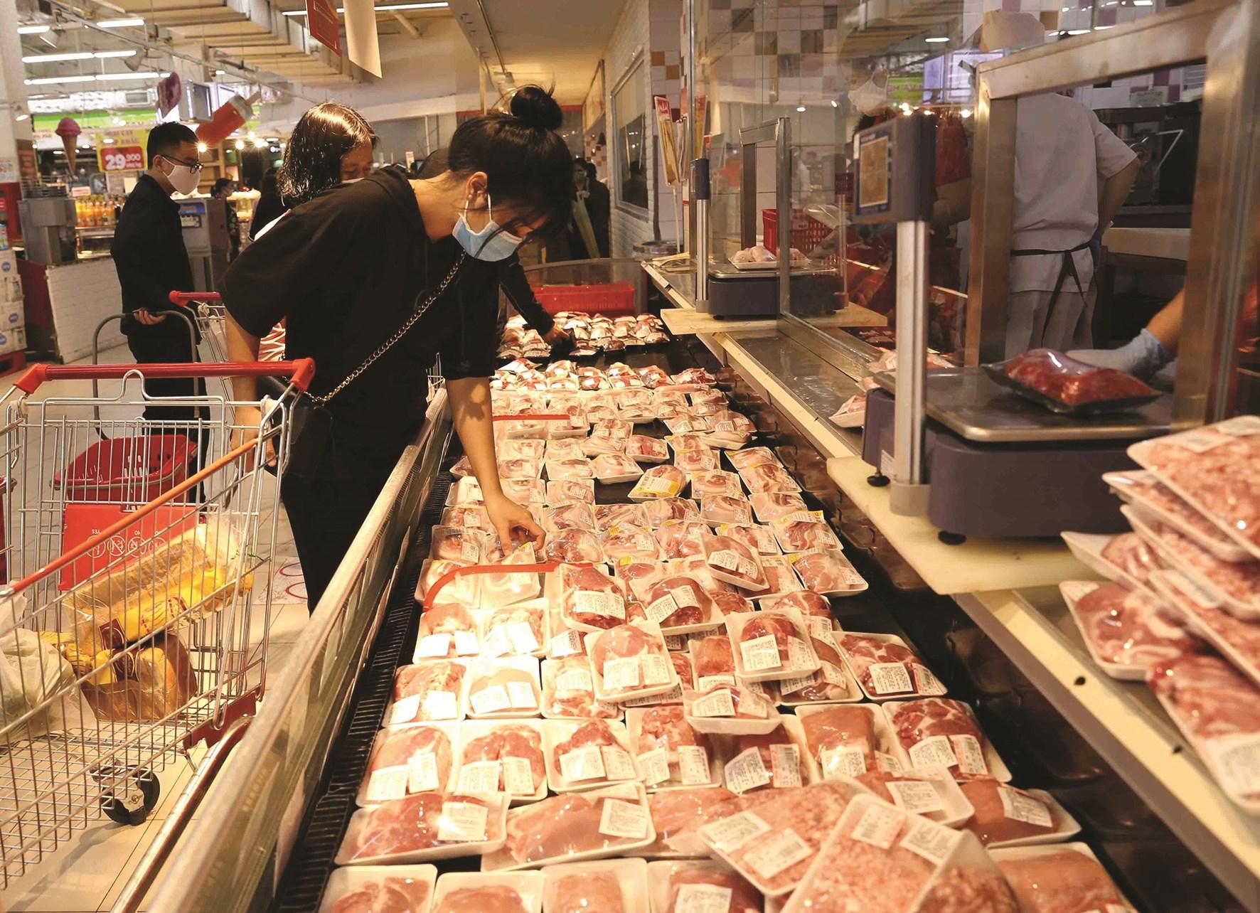Nhập khẩu thịt lợn là giải pháp để bảo đảm nguồn cung cho thị trường.