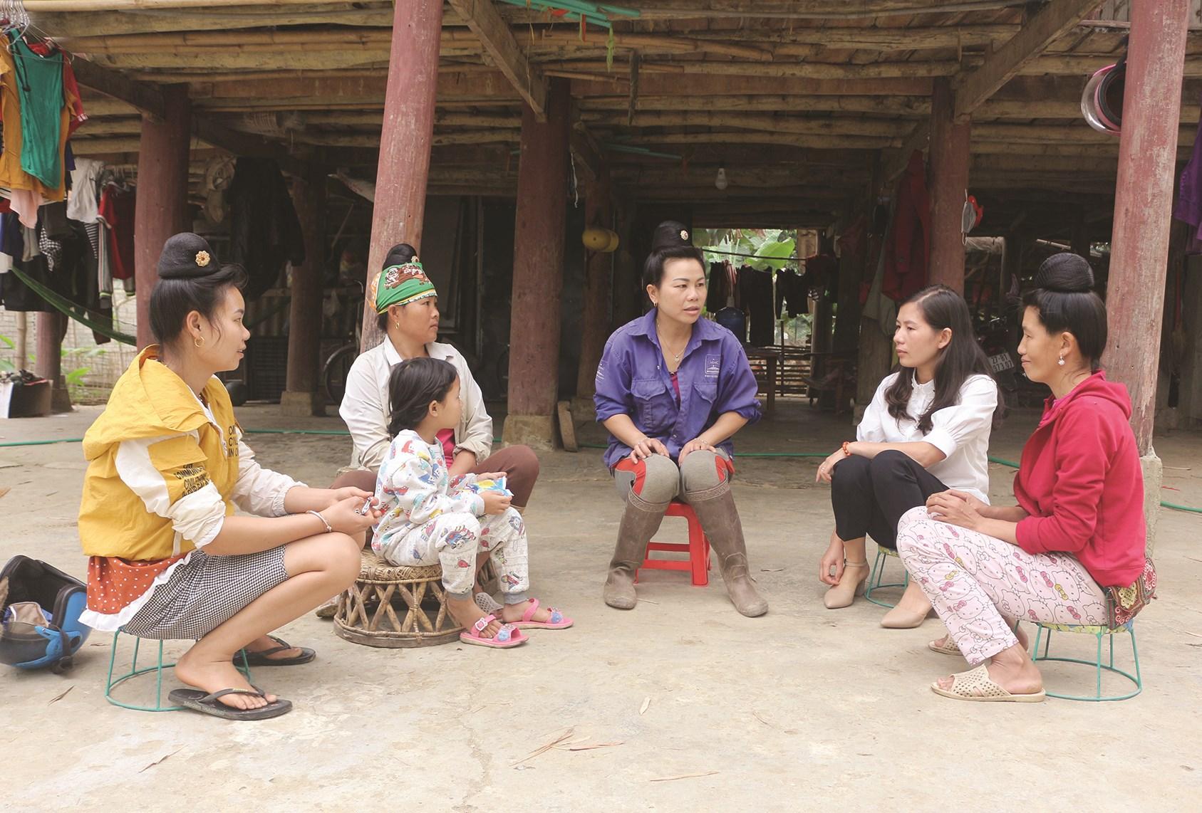 Buổi trao đổi, chia sẻ của nhóm Hạt nhân thay đổi xã Thanh Nưa, huyện Điện Biên