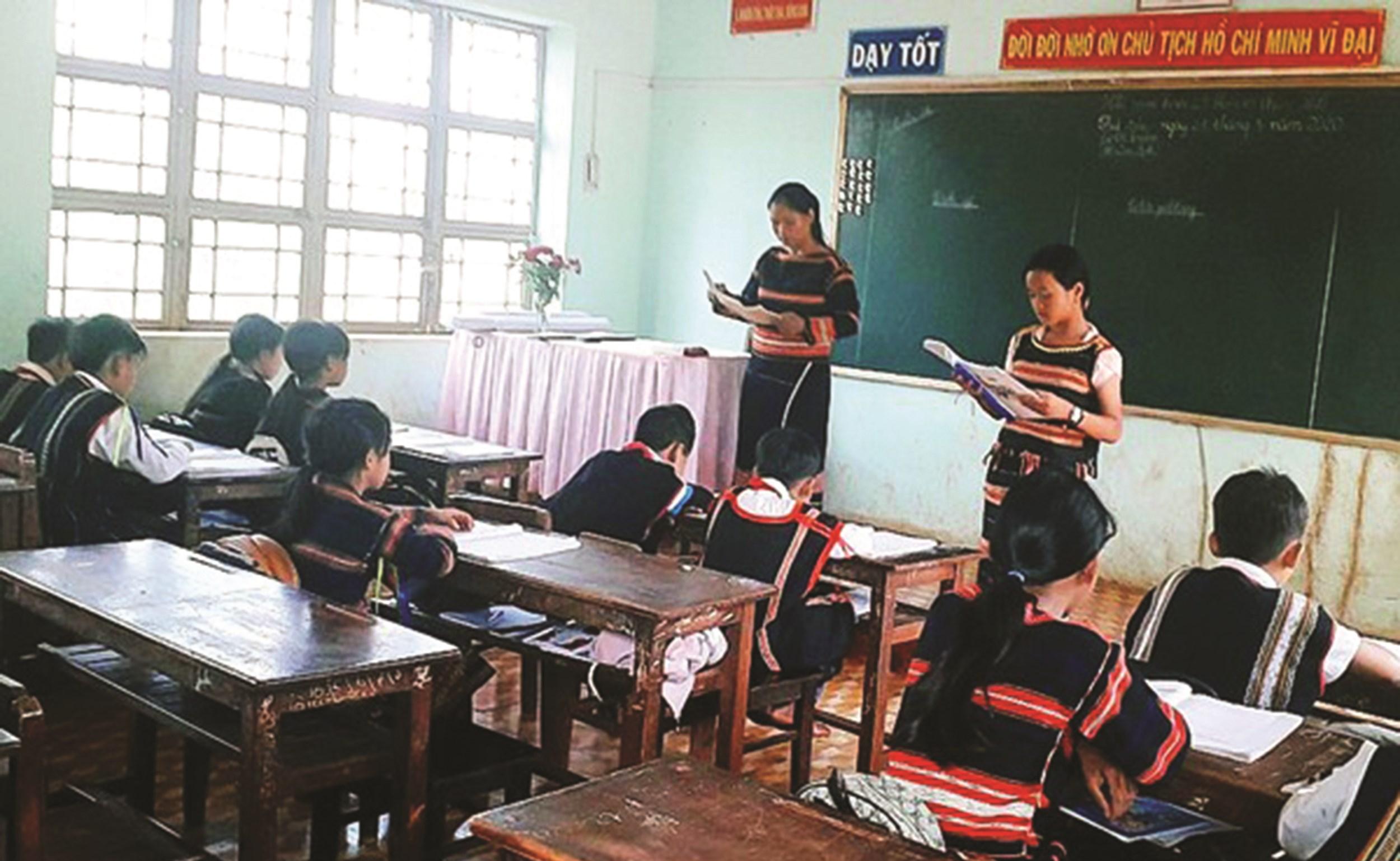 Một tiết học tiếng Gia Rai tại Trường Tiểu học Lý Thường Kiệt (xã Ia Vê, huyện Chư Prông, tỉnh Gia Lai)