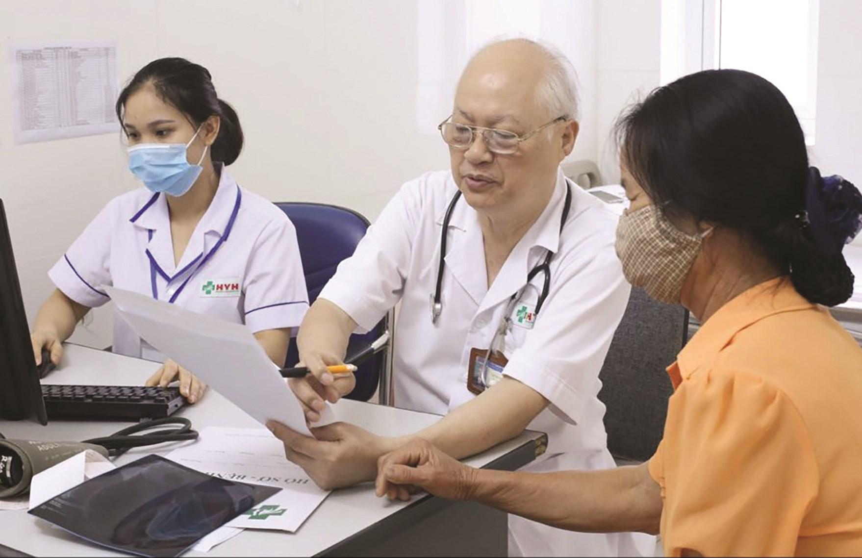 Người dân nên đến cơ sở y tế khám chữa bệnh