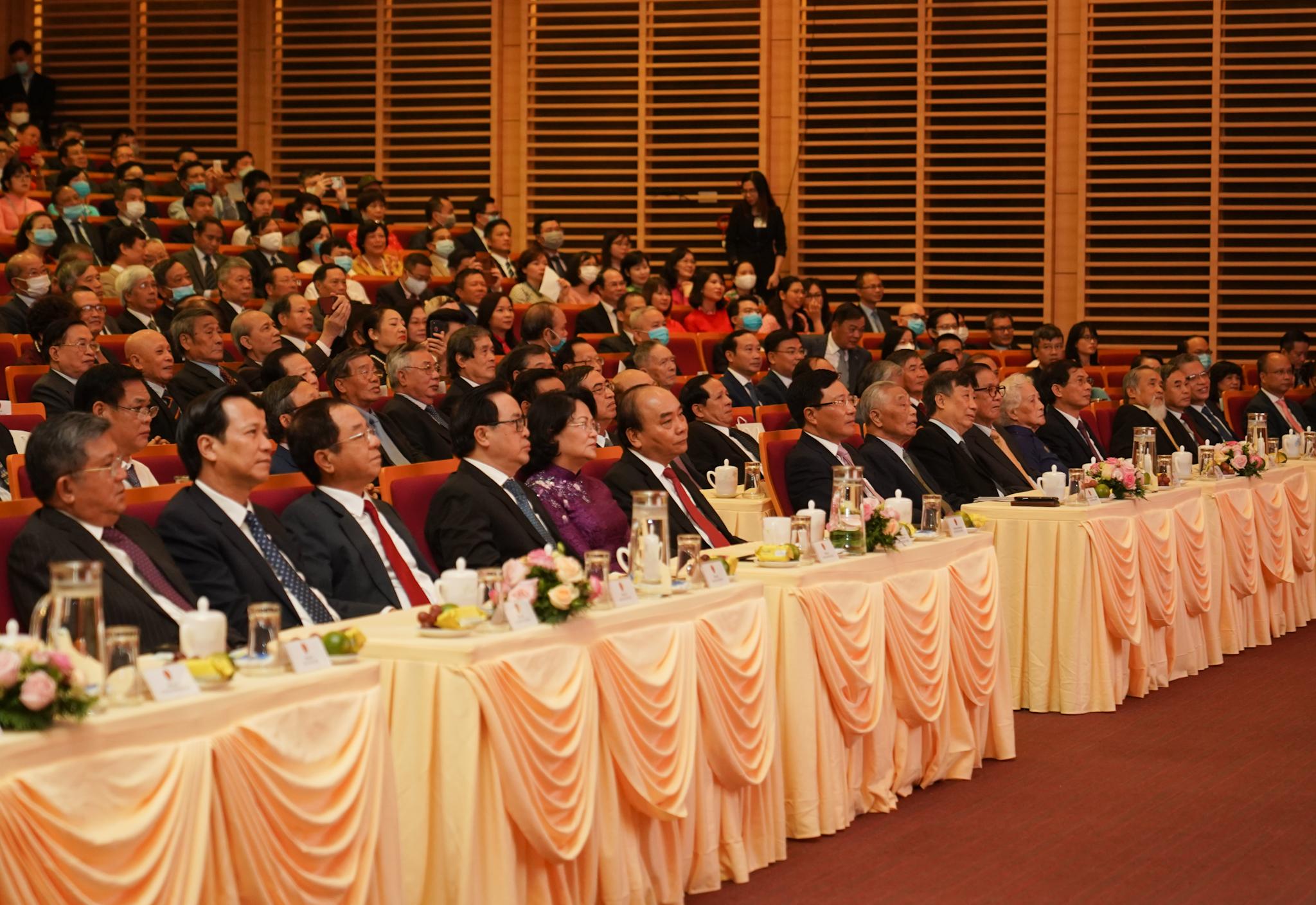 Thủ tướng dự kỷ niệm 75 năm thành lập ngành ngoại giao Việt Nam. Ảnh VGP/Quang Hiếu