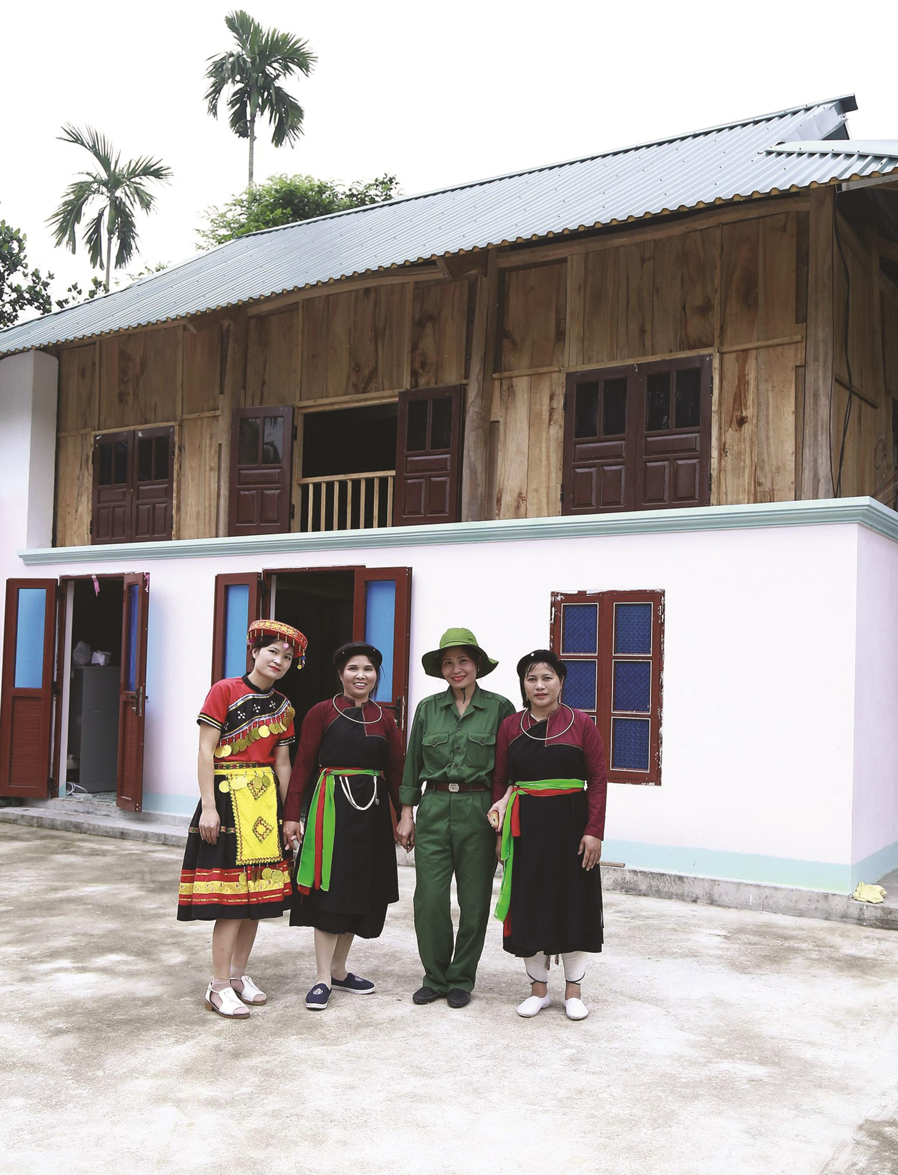 Nhà sàn người Cao Lan xây dựng trên chất liệu mới