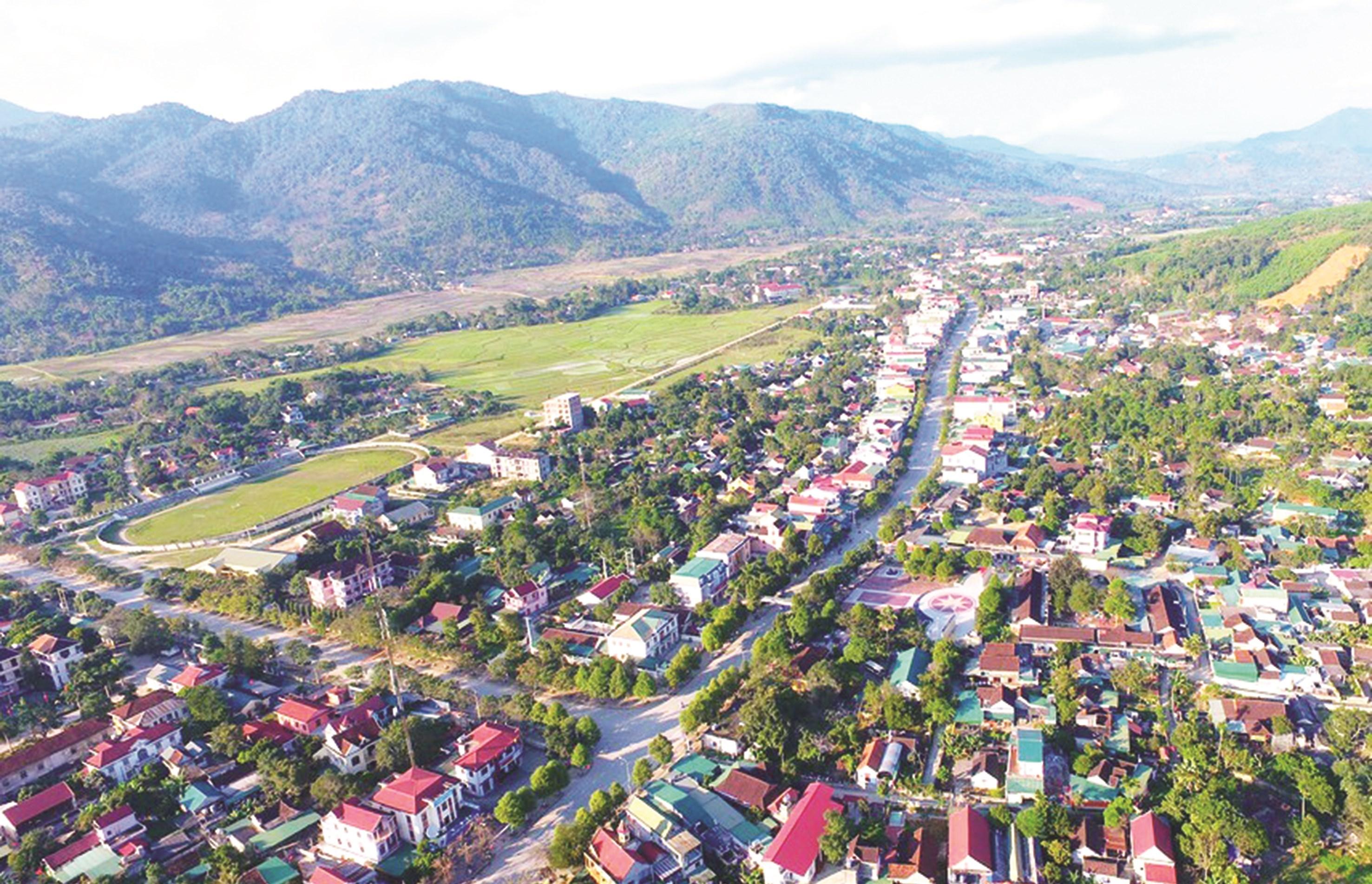 Một góc thị trấn huyện Quế Phong.