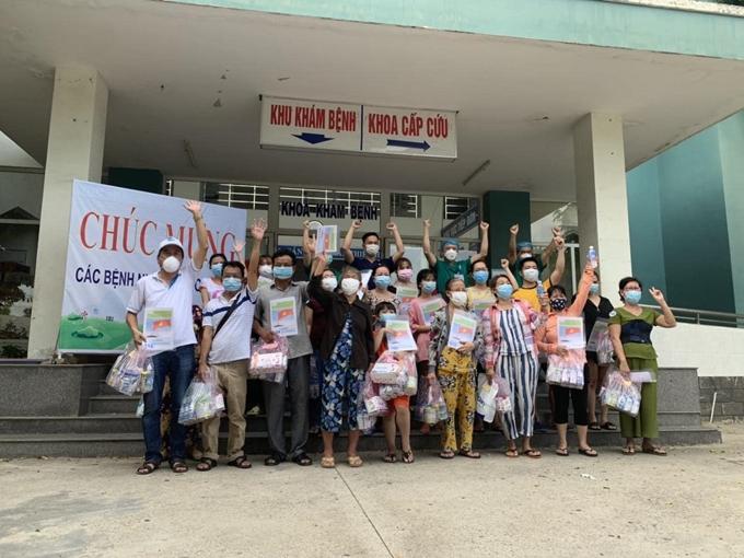 Ngày 28/8/2020, Trung tâm y tế Hòa Vang, Thành phố Đà Nẵng đã công bố khỏi bệnh cho 20 bệnh nhân COVID-19. (Ảnh: Bộ Y tế)