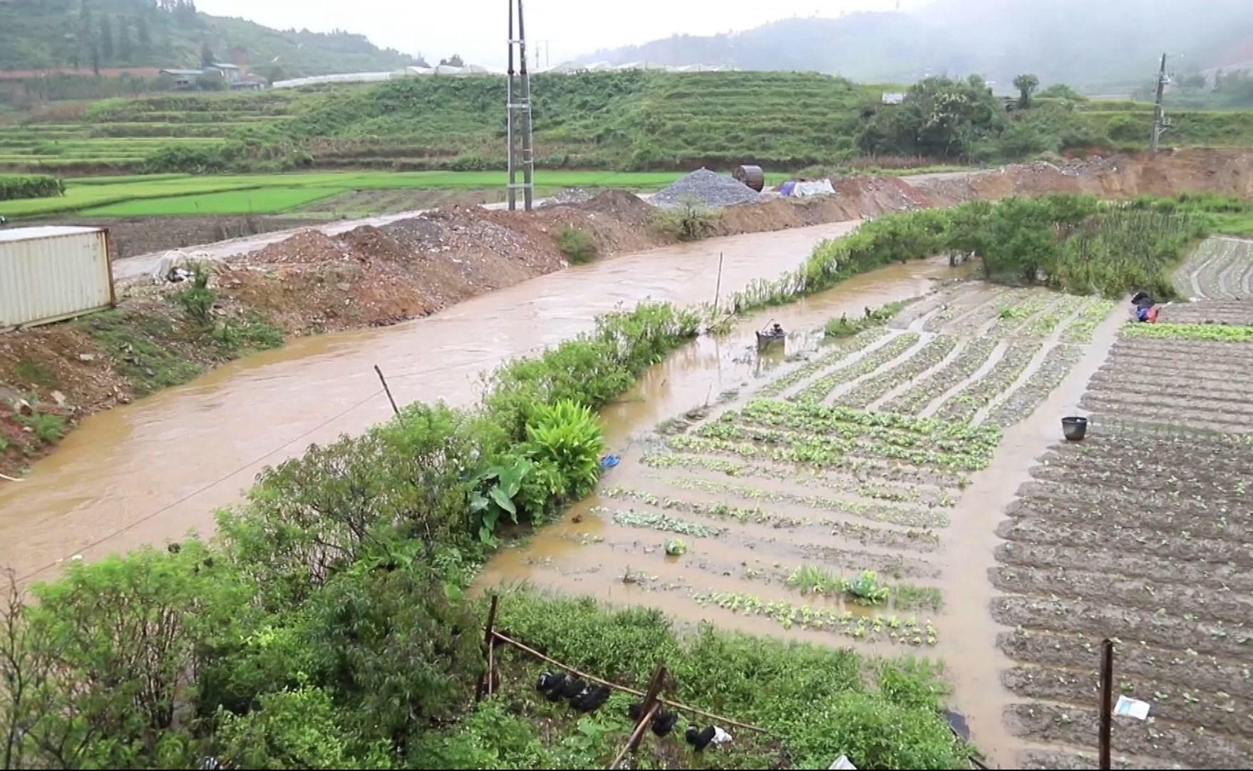Lào Cai: Mưa lũ làm 2 người chết, thiệt hại nhiều tài sản 4
