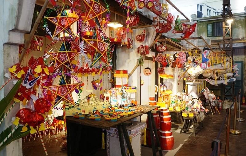 Gian trưng bày các loại đèn Trung thu tại Hoàng thành Thăng Long đã sẵn sàng đón các em nhỏ