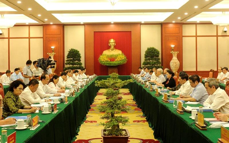 Tập thể Bộ Chính trị làm việc với Ban Thường vụ Thành ủy Thành phố Hồ Chí Minh