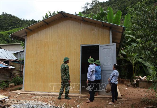 """Ngôi nhà của đề án 245 được xây dựng """"3 cứng"""" chuẩn bị được bàn giao cho người dân tại xã Pa Vệ Sủ, tỉnh Lai Châu. Ảnh: Quý Trung/TTXVN"""