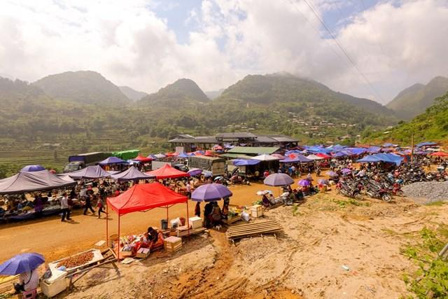 Chợ phiên Cán Cấu thuộc địa phận xã Cán Cấu, huyện Si Ma Cai, tỉnh Lào Cai. (Ảnh: Minh Sơn/Vietnam+)