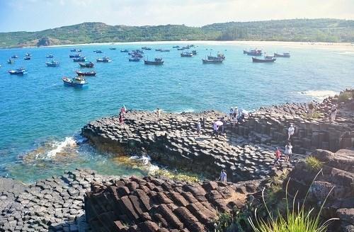 Các điểm du lịch tại Phú Yên sẽ đón khách từ ngày 8/9. (Ảnh: Tạp chí Du lịch)