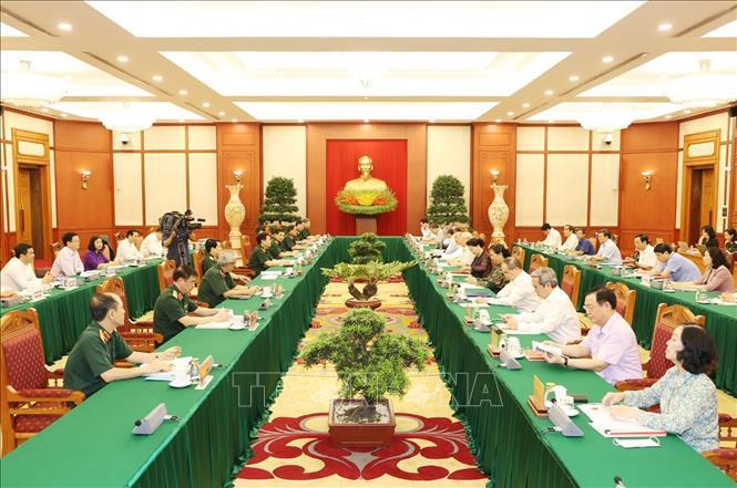 Toàn cảnh buổi làm việc của tập thể Bộ Chính trị với Ban Thường vụ Quân ủy Trung ương. Ảnh: Trí Dũng/TTXVN