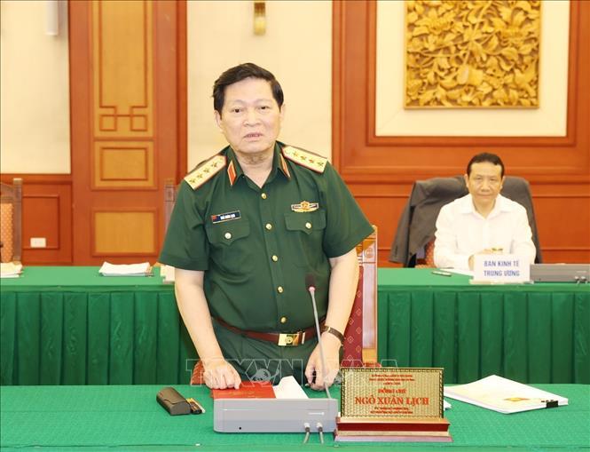 Đại tướng Ngô Xuân Lịch, Ủy viên Bộ Chính trị, Phó Bí thư Quân ủy Trung ương, Bộ trưởng Bộ Quốc phòng phát biểu tại buổi làm việc.Ảnh: Trí Dũng/TTXVN