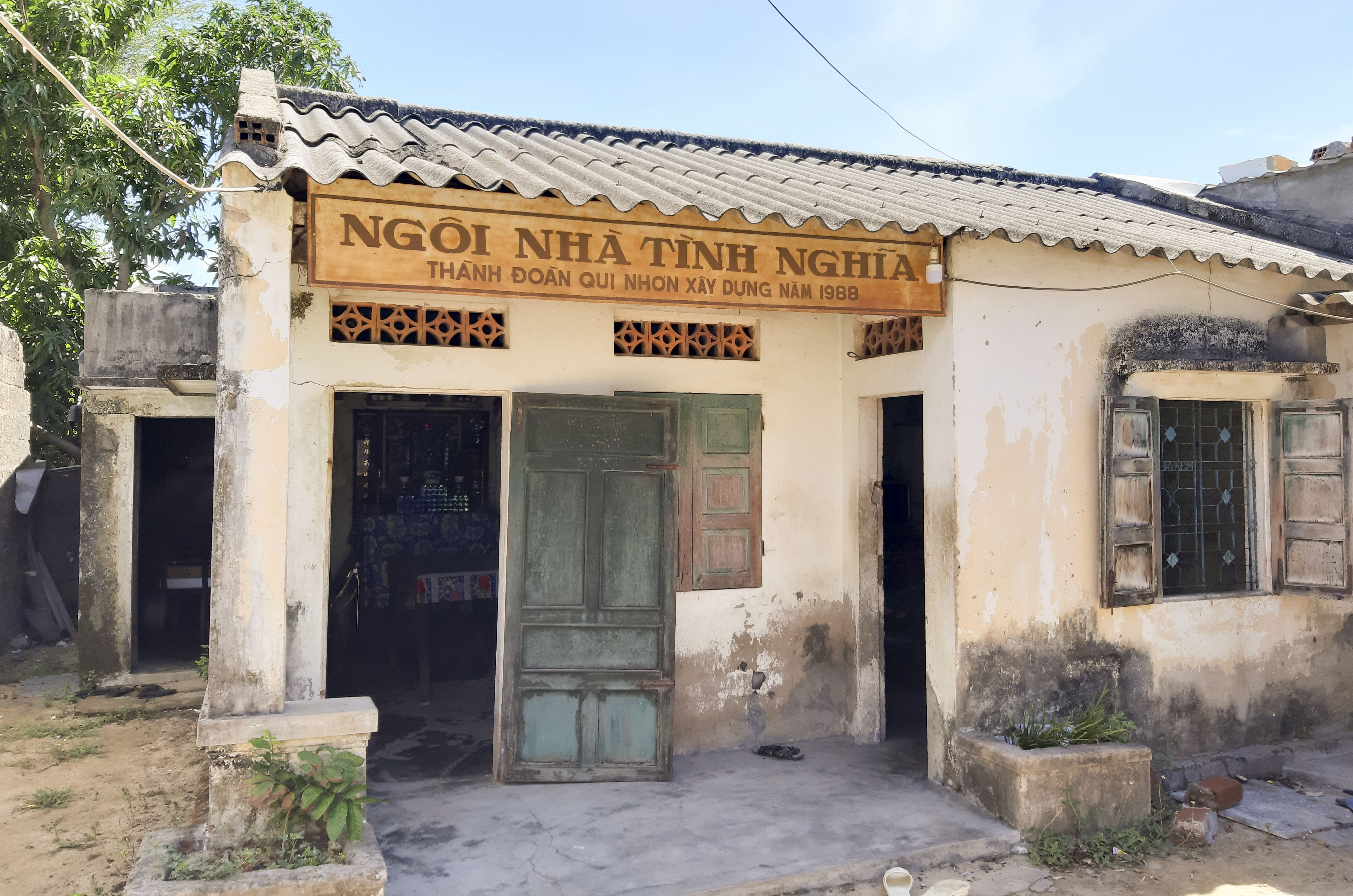 Ngôi nhà của Mẹ Việt Nam Anh hùng Võ thị Mười nằm trong khu giải tỏa nhưng vẫn chưa được cấp đất để xây dựng nơi thờ cúng