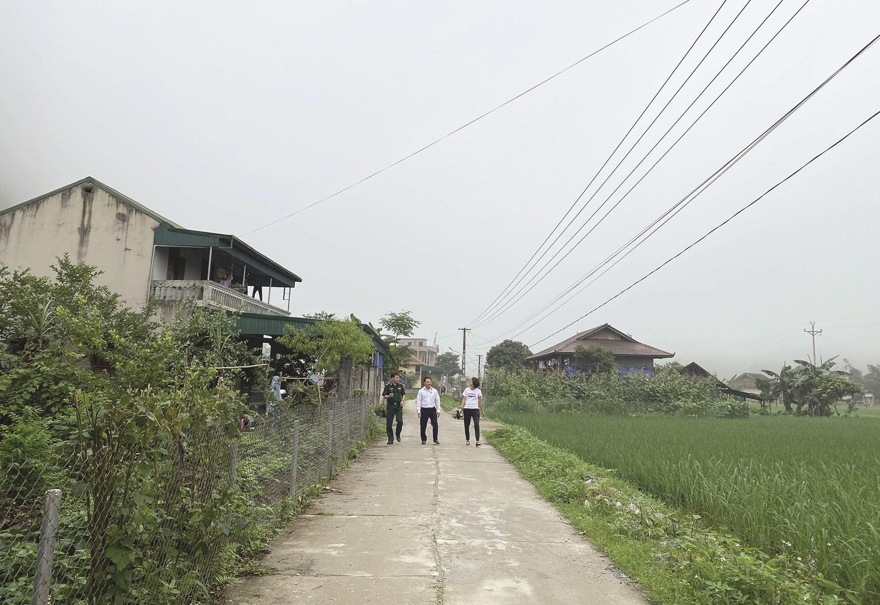 Con đường nông thôn mới xã Tùng Vài