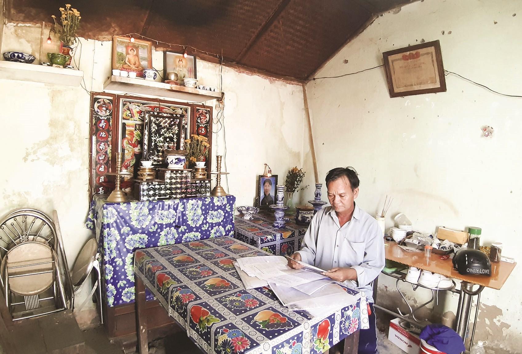 Ông Nguyễn Hữu Thành, người trực tiếp phụng dưỡng Mẹ VNAH Võ Thị Mười khi còn sống mỏi mòn chờ cấp đất để xây dựng nơi thờ cúng