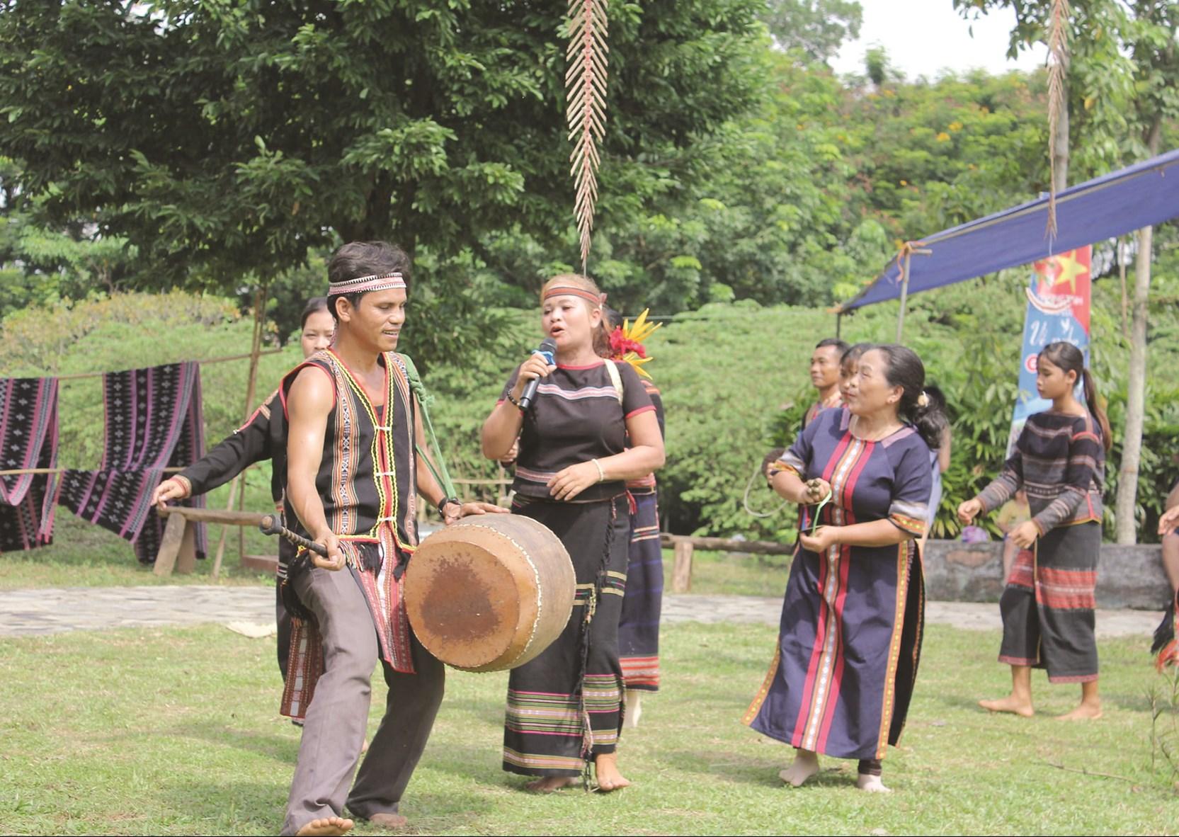 Bảo tồn và phát huy những giá trị của âm nhạc Tây Nguyên cũng chính là bảo tồn bản sắc văn hóa dân tộc.