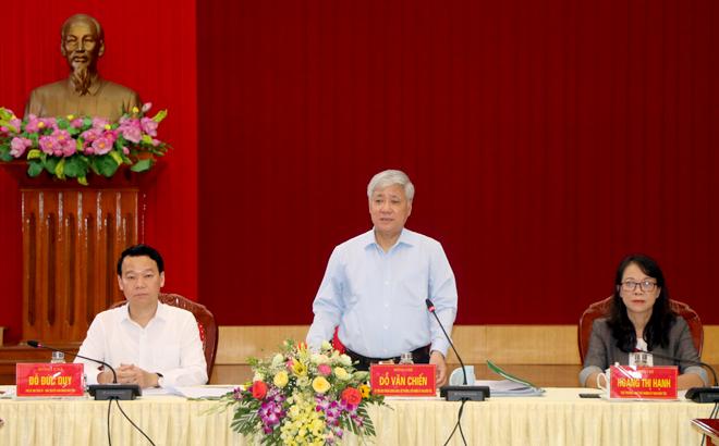 Bộ trưởng, Chủ nhiệm Ủy ban Dân tộc Đỗ Văn Chiến phát biểu tại buổi làm việc với lãnh đạo UBND, các sở, ban ngành tỉnh Yên Bái