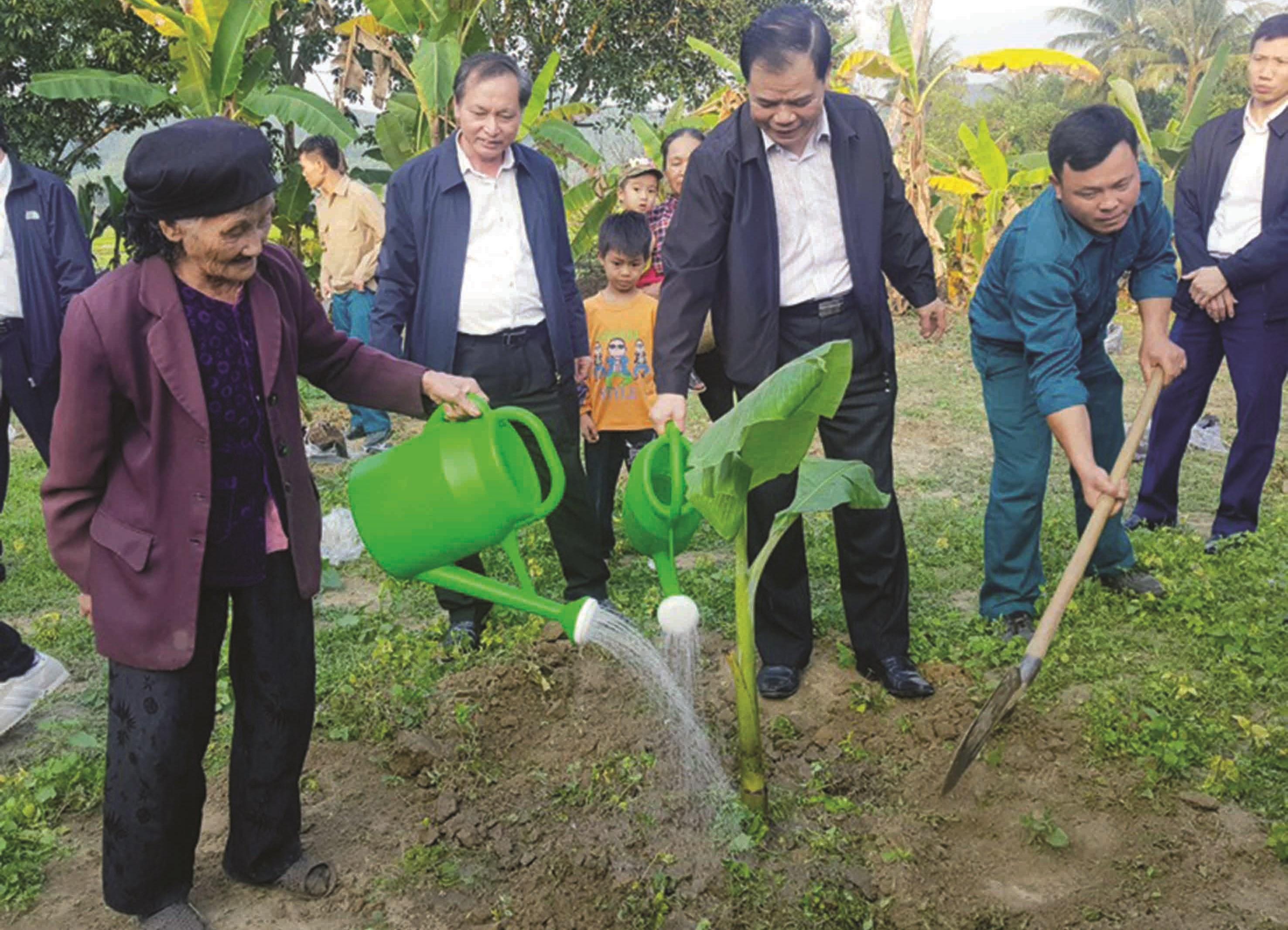 Bộ trưởng Nguyễn Xuân Cường thăm thôn NTM kiểu mẫu Xuân Lập ngày 15/1/2020