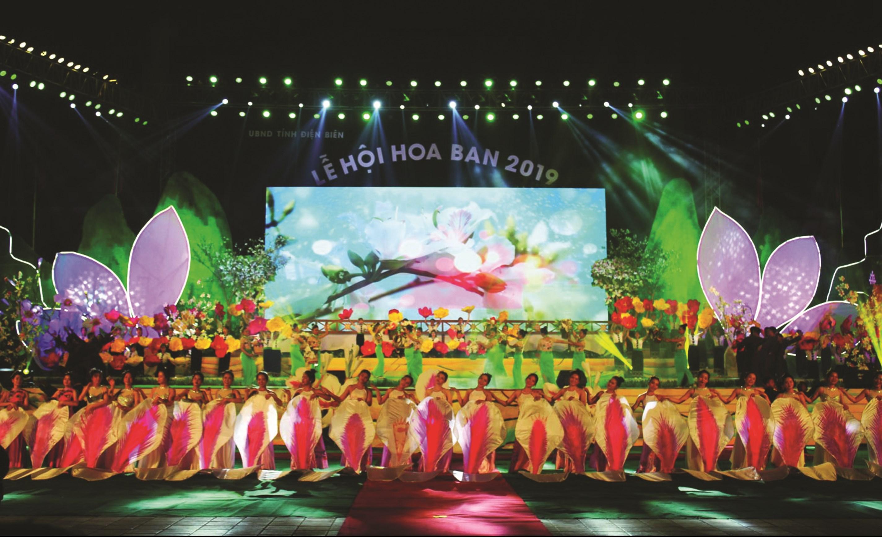 Chương trình nghệ thuật khai mạc Lễ hội Hoa Ban 2019 do NSƯT Điêu Khánh Thực làm tổng đạo diễn,