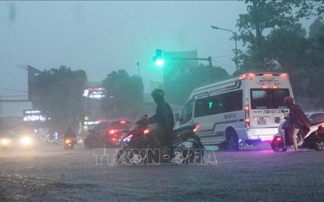 Khu vực Bắc Trung Bộ có mưa rất to với lượng mưa phổ biến 40-100mm. Ảnh: Nguyễn Oanh/TTXVN