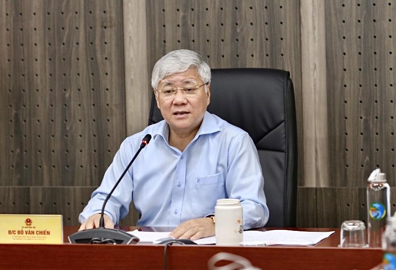 Bộ trưởng, Chủ nhiệm Đỗ Văn Chiến phát biểu tại buổi làm việc.