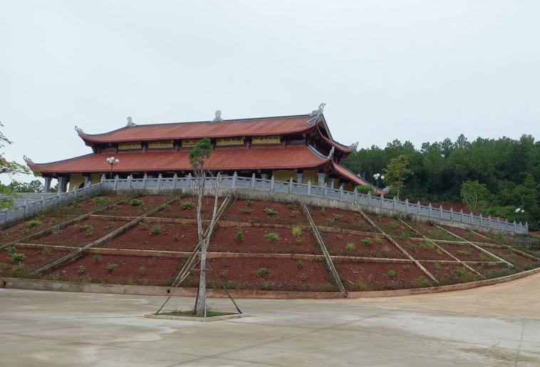 Cận cảnh chùa Linh Sơn ở xóm 13 xã Diễn An.