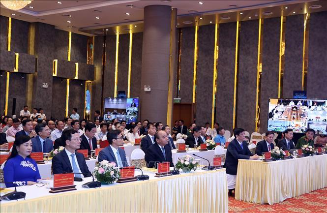 Thủ tướng Nguyễn Xuân Phúc và các đại biểu tham dự Lễ khánh thành. Ảnh: Thống Nhất/TTXVN