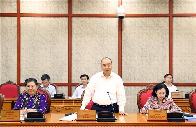 Đồng chí Nguyễn Xuân Phúc, Ủy viên Bộ Chính trị, Thủ tướng Chính phủ phát biểu tại cuộc làm việc của Bộ Chính trị với Ban Thường vụ Thành ủy Đà Nẵng. Ảnh: TTXVN