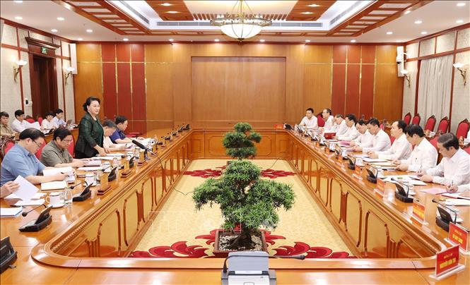 Đồng chí Nguyễn Thị Kim Ngân, Ủy viên Bộ Chính trị, Chủ tịch Quốc hội chủ trì cuộc làm việc của Bộ Chính trị với Ban Thường vụ Tỉnh ủy Thanh Hóa. Ảnh: TTXVN
