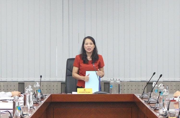 Thứ trưởng, Phó Chủ nhiệm UBDT Hoàng Thị Hạnh phát biểu tại cuộc họp