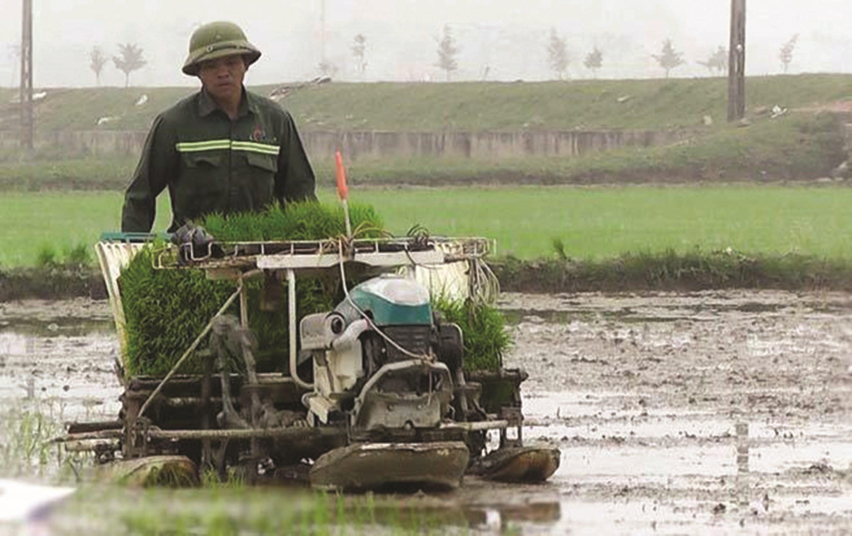 Có máy làm đất, nông dân Yên Thành tiết kiệm nhiều thời gian và sức lao động
