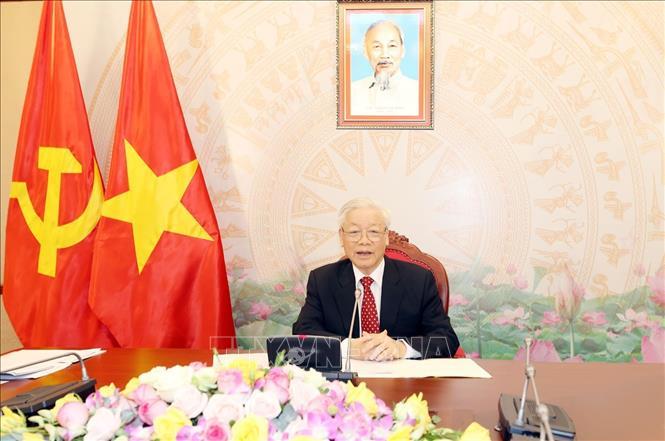 Tổng Bí thư, Chủ tịch nước Nguyễn Phú Trọng điện đàm trực tiếp với Tổng Bí thư, Chủ tịch nước Trung Quốc Tập Cận Bình. Ảnh: Trí Dũng/TTXVN