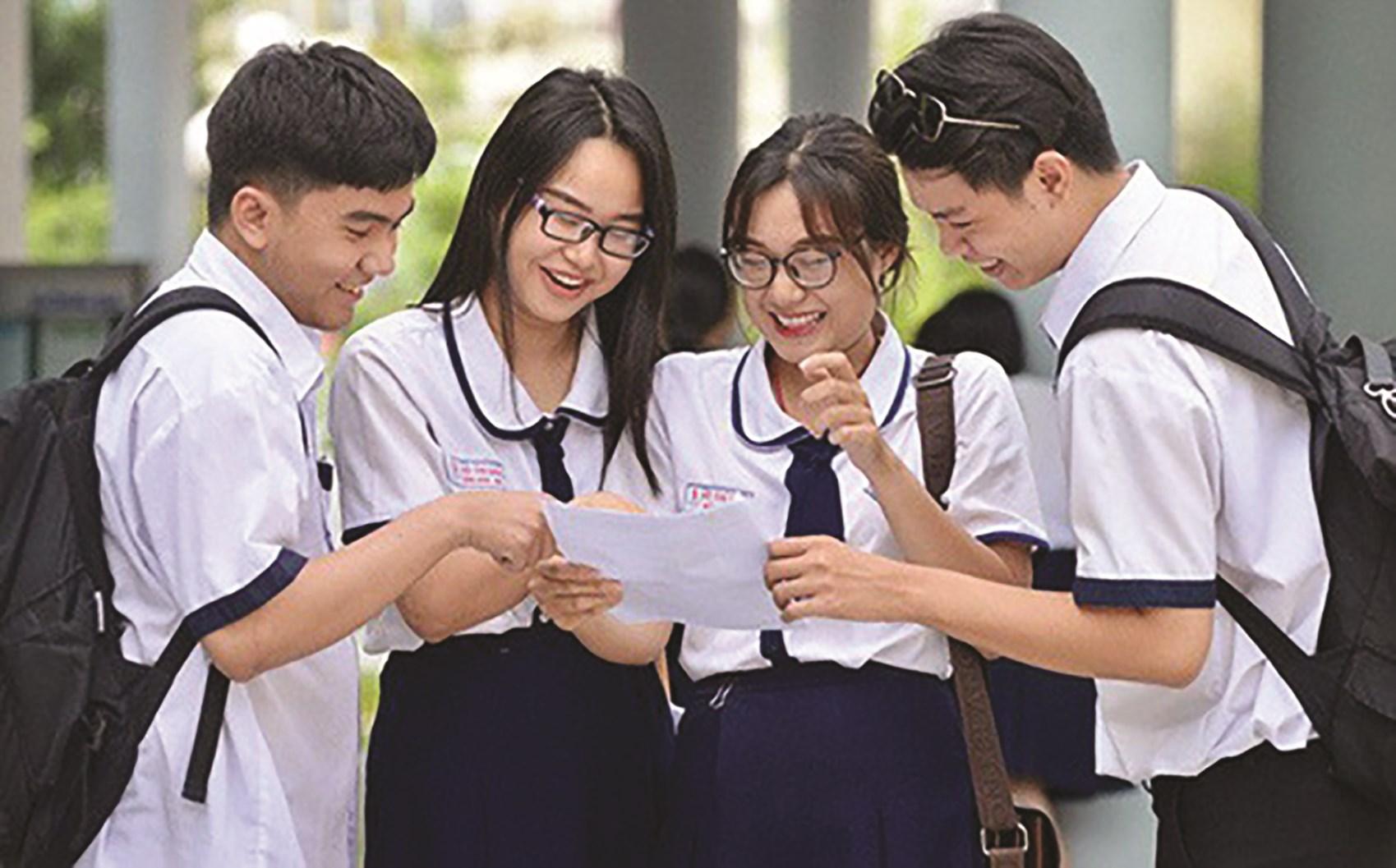 Cánh cửa các trường đại học đang rộng mở để chào đón các tân sinh viên nhập học