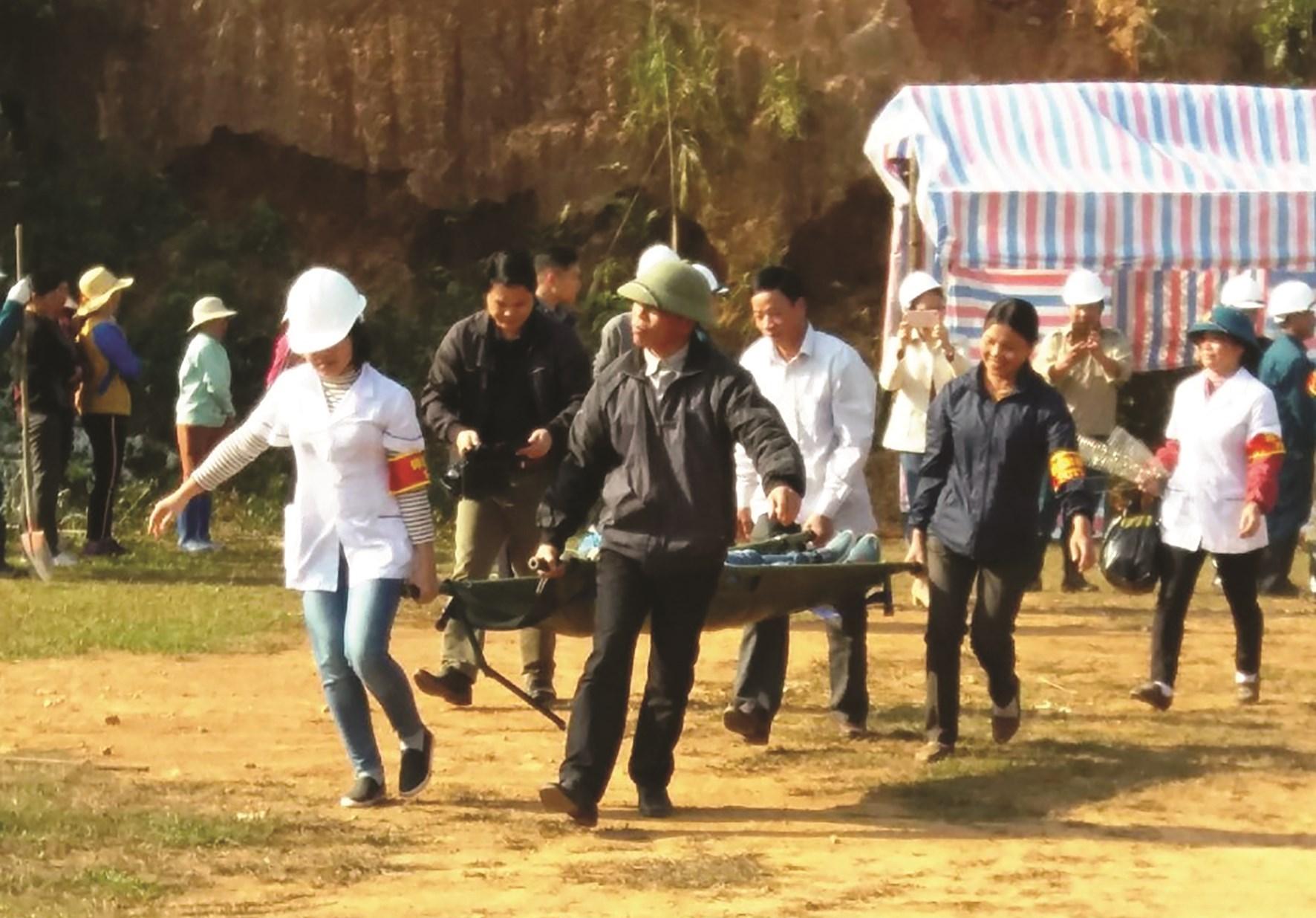 Tập huấn phòng, chống thiên tai ở xã Quân Hà, huyện Bạch Thông