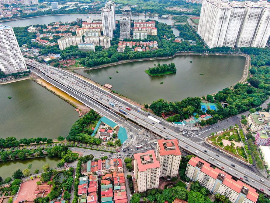 Thành phố Hà Nội đã khai thác các giá trị, nguồn lực to lớn để phát triển mạnh mẽ lên một tầm vóc mới, với thế và lực mới. Ảnh: Nhật Nam